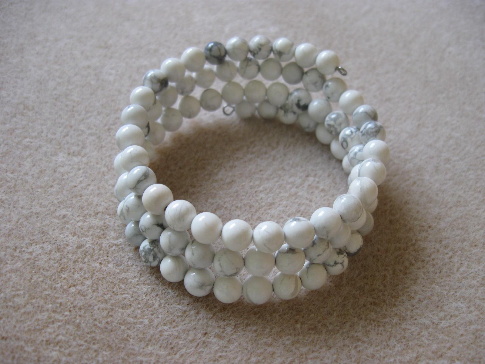 Howlite memory bracelet