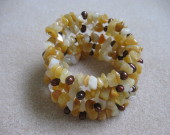 Honey jade chips and freshwater pearls memory bracelet
