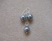 Sea shell pearls earrings and pendant set