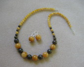 Honey jade and bronzite set