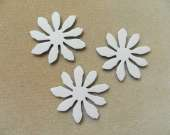 White flower magnet set