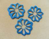 Blue flower magnet set