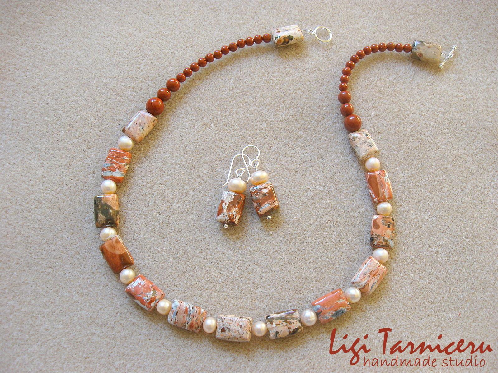Brecciated jasper and freshwater pearls set