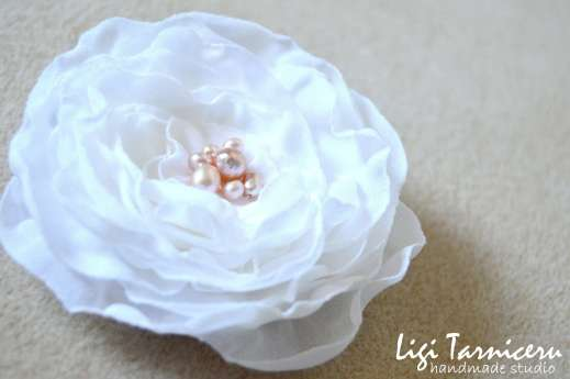 White georgette rose with freshwater pearls