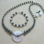 Rose quartz and hematite set