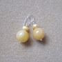Honey jade and freshwater pearls earrings