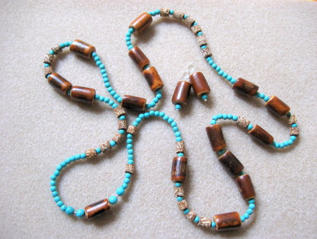 Mahogany and turquoise set