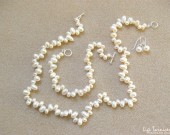 Freshwater pearls - necklace, bracelet and earrings set