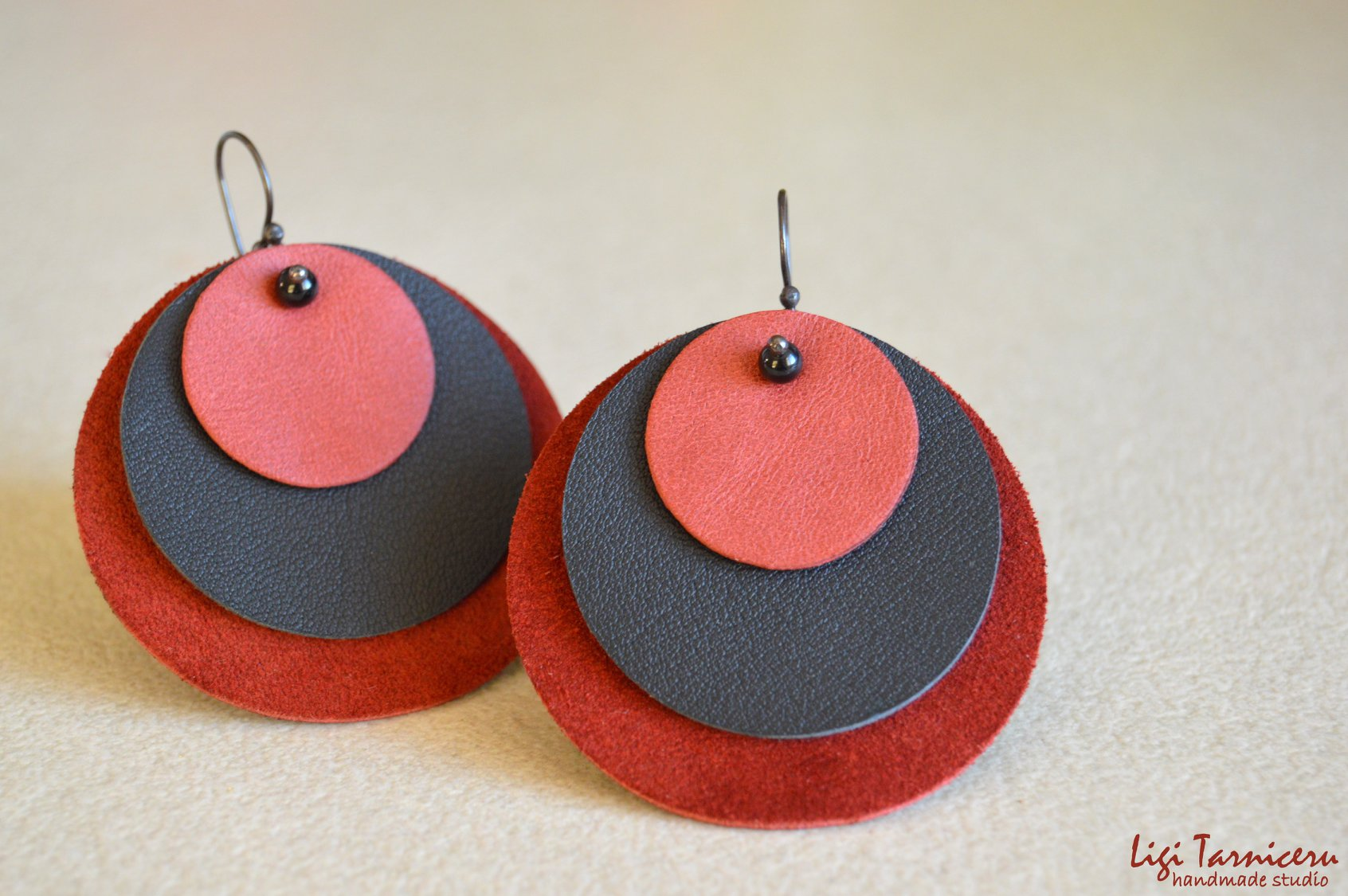 Large leather, suede, black onyx 4mm spheres and oxidized copper earrings – New Collection
