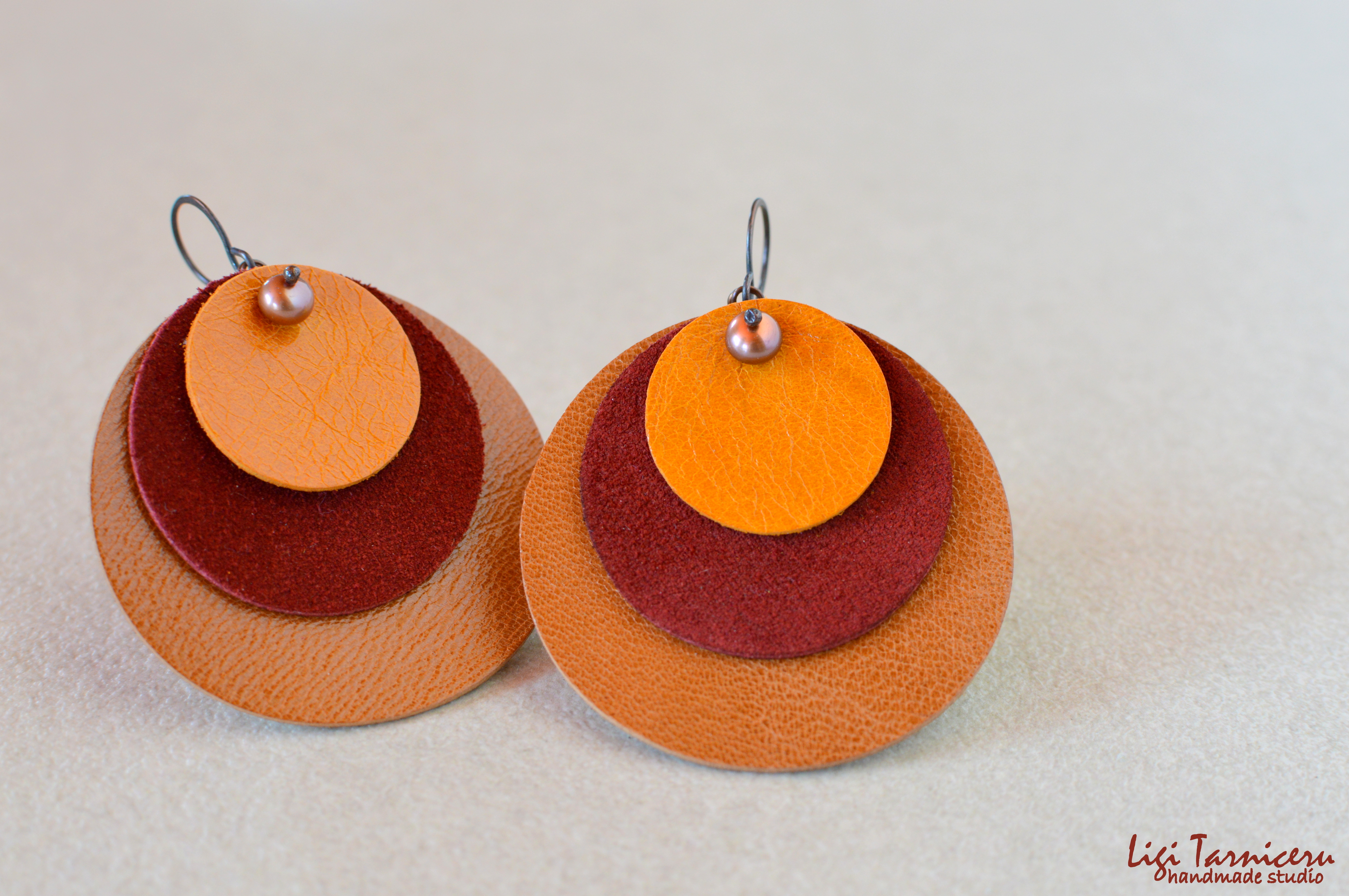 Large leather, suede, brown freshwater pearls and oxidized copper earrings – New Collection